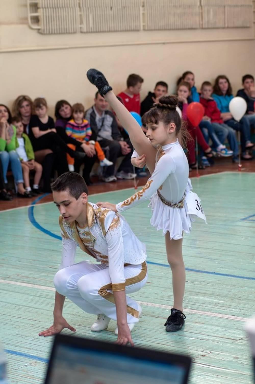 Акробатический рок-н-ролл дети фото