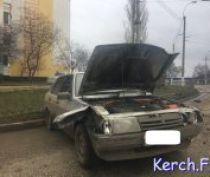 На Свердлова «Lada» снесла несколько секций ограждений