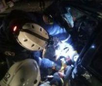 Крымские спасатели оказывают помощь при ДТП