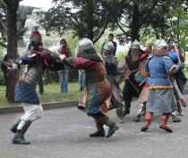 Феодосийские рыцари-реконструкторы поздравят жительниц города с 8 марта