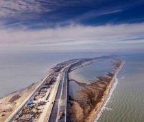До конца года грузовики не смогут ездить по Крымскому мосту