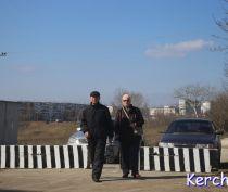 В Керчи снова перекрыли улицу Рыбаков