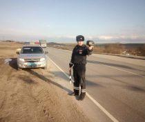 В Ленинском районе сотрудники ГИБДД с помощью «Бинара» следят за скоростным режимом