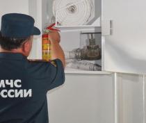 МЧС проверило соблюдение противопожарных норм в симферопольском ТРЦ «ФМ» (ФОТО)