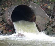 Более 800 объектов в Крыму отключены от коммунальных сетей за сброс нечистот в ливневую канализацию