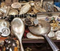 Феодосийца привлекли к ответственности за незаконную торговлю антиквариатом