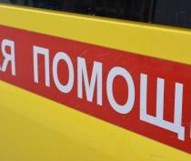 На въезде в Евпаторию столкнулись автомобиль и мотоцикл: погиб байкер
