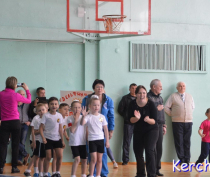 В Керчи три детсада заняли призовые места в «Веселых стартах» (видео)