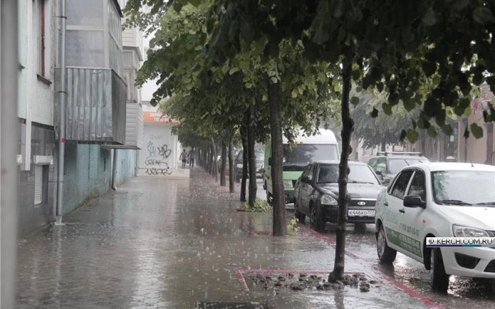 Фото новости - В Керчи дождь