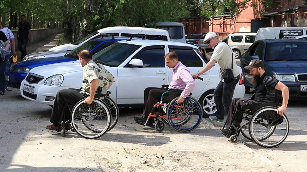 Фото новости - Глава администрации Феодосии на инвалидной коляске