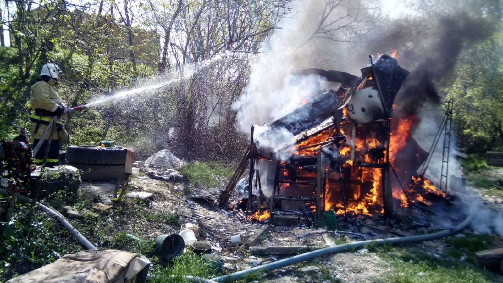 Фото новости - В Феодосии продолжаются пожары
