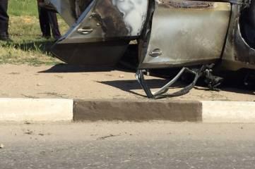 За сутки сгорели три легковушки и автобус