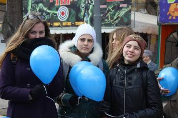 В Феодосии состоялся молодежный флешмоб (Фото Видео)