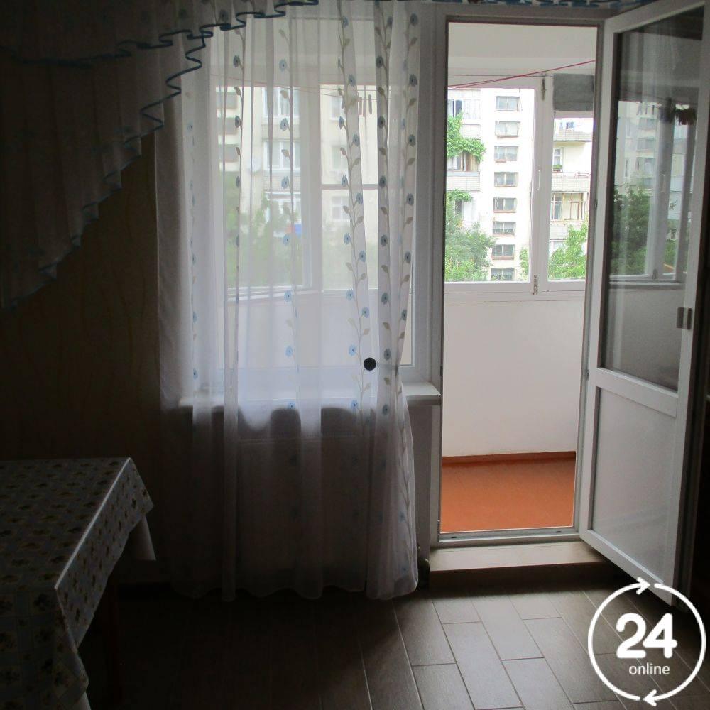 1ком квартира возле моря бул.Старшинова