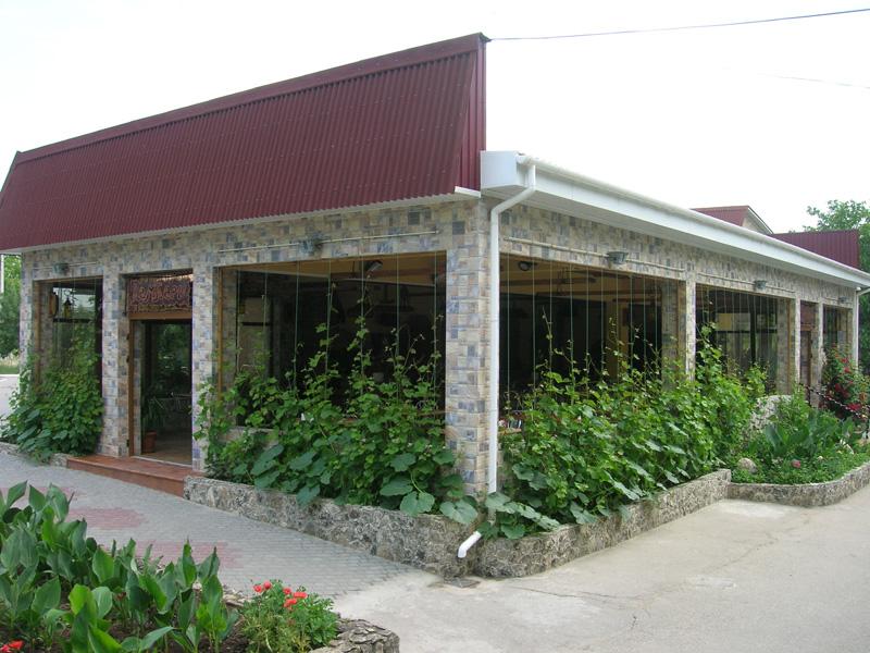 Фирма: Кампари (бар, гостиница, магазин)