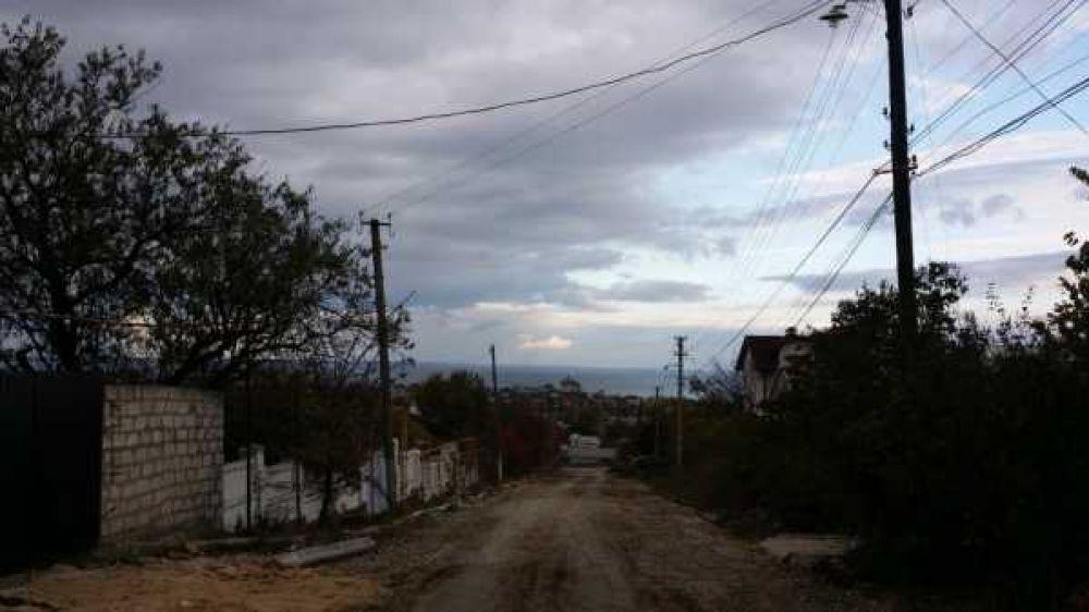 В Феодосии жители Панова перекрыли дорогу
