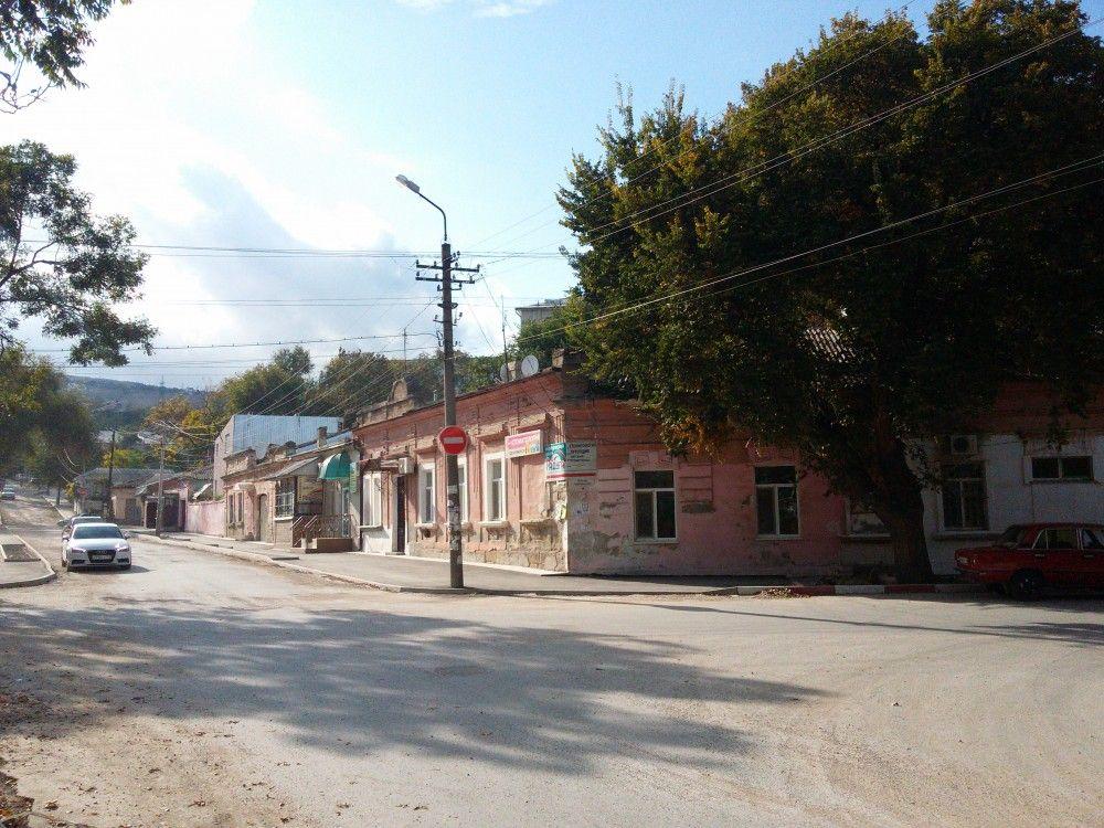 В этом году на дороги и благоустройство Феодосии предусмотрели 50 миллионов рублей