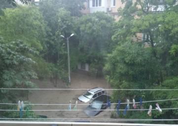 Часть Крыма накрыла стихия (фото)
