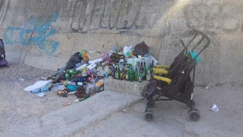 Власти Феодосии просят сообщать о стихийных свалках в администрацию города