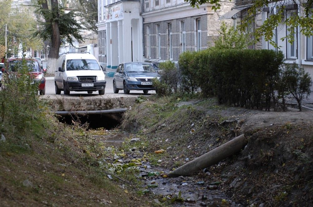 Ситуация со сбросом канализационных нечистот в генуэзский ров не изменилась