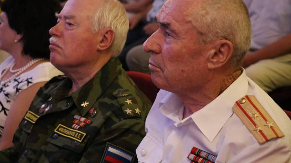 Феодосию посетил советский и российский актер театра и кино  Василий Лановой (фоторепортаж)