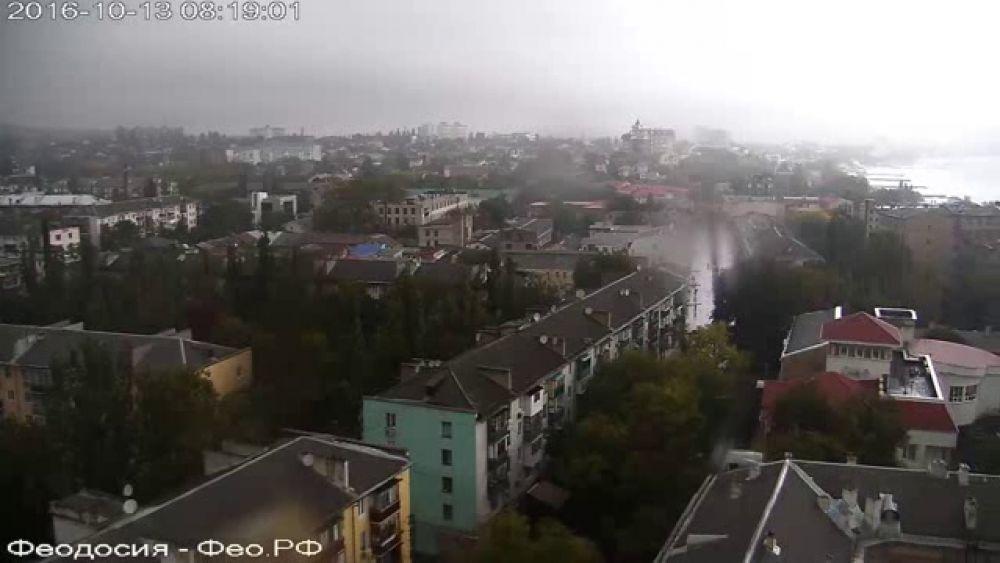 В Феодосии дождит