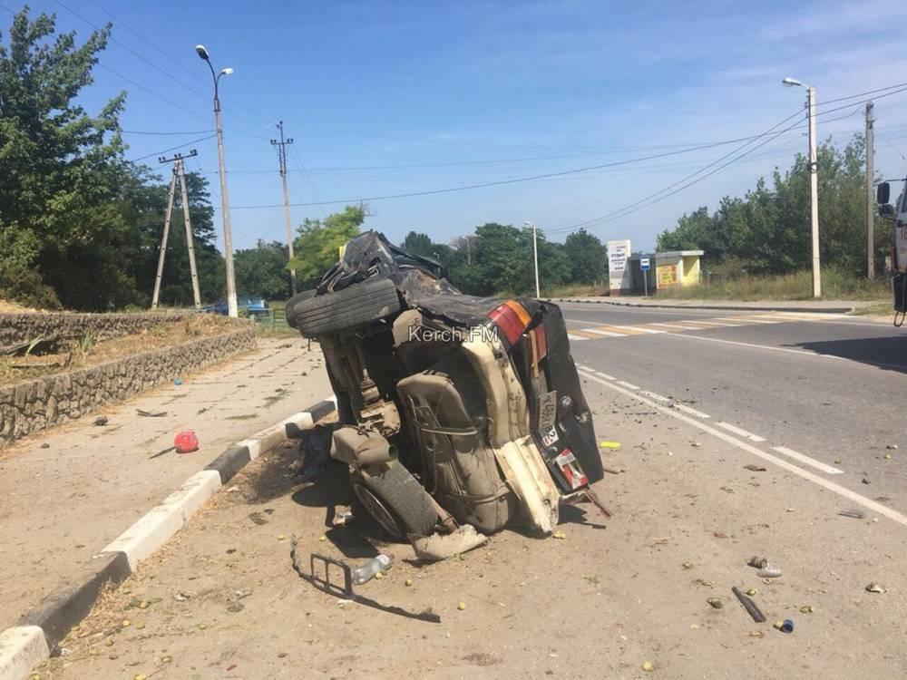 Перед Капканами произошла серьезная авария: БМВ влетел в дерево (обновляется)