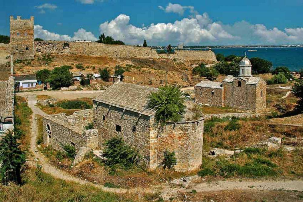 Администрация Феодосии готовит ряд новых туристических маршрутов
