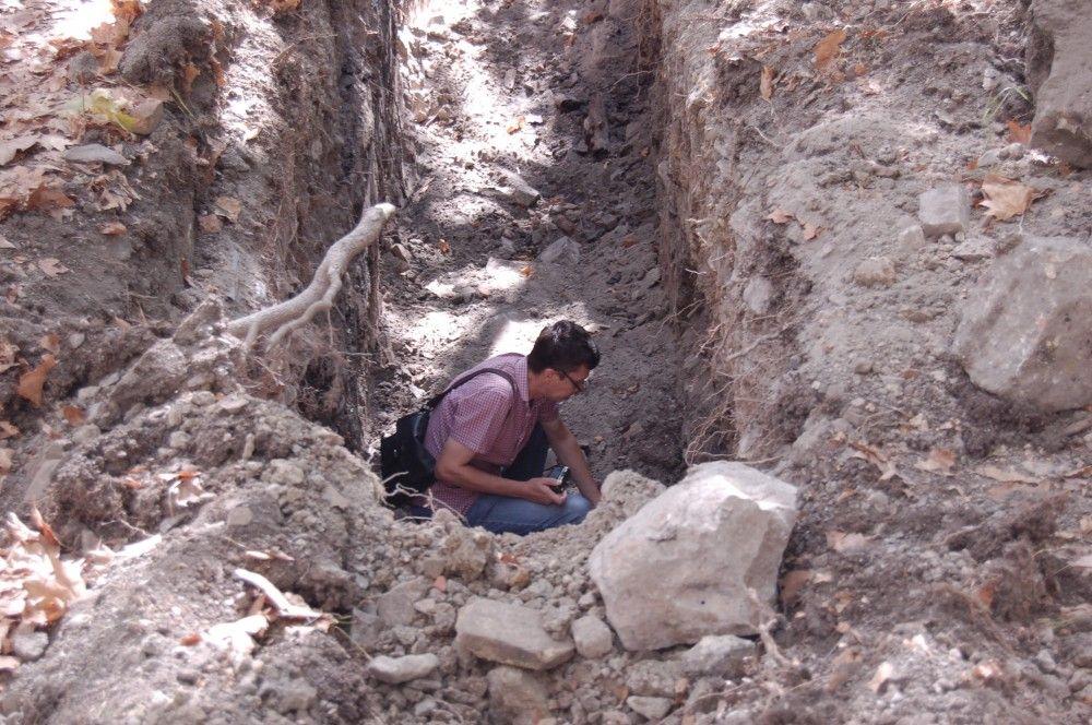 Канализационный коллектор не мешает исследованию феодосийских археологических находок