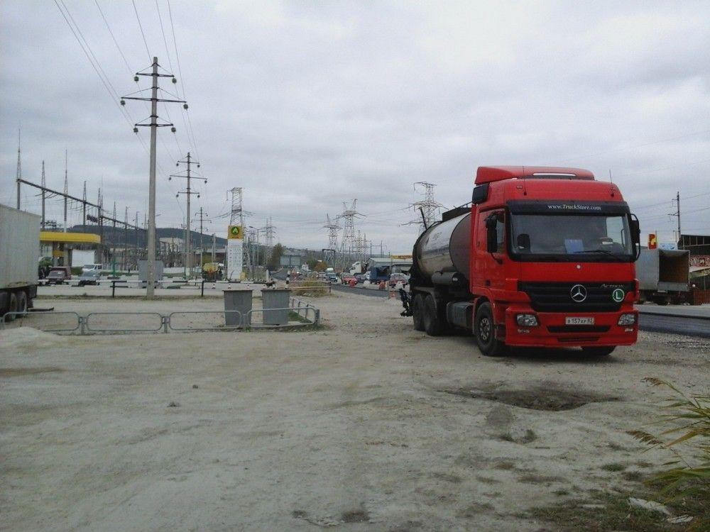 В Феодосии ремонтируют Керченское шоссе