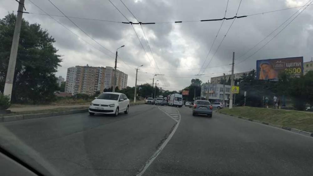 В Севастополе столкнулись представители немецкого и отечественного автопрома