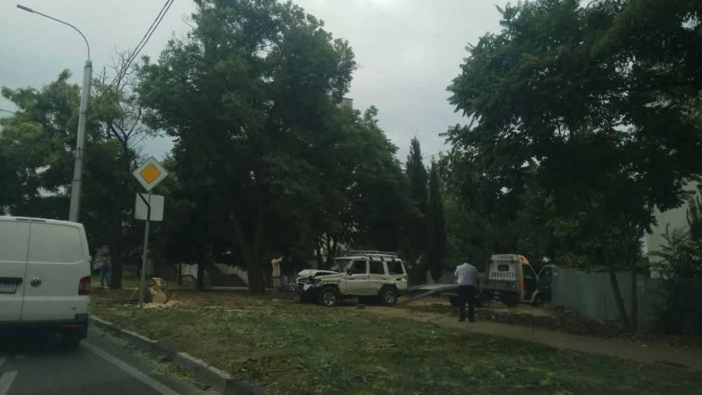 В Севастополе пьяный водитель снес всё на своем пути
