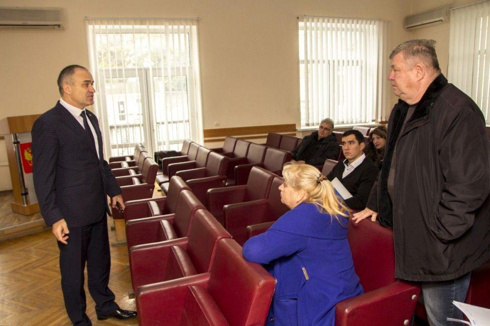 Глава администрации Феодосии потребовал обеспечить маршрутные автобусы беспроводным интернетом