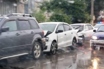 На детской больнице в Керчи произошла тройная авария