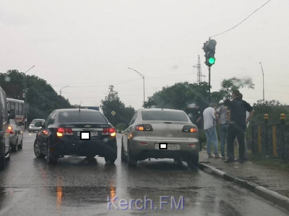 На Чкалова в Керчи авария