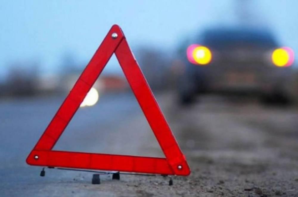 В Севастополе легковушка столкнулась с грузовиком: двое пострадавших