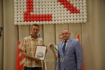 Поздравить керченских металлургов приехал министр промышленной политики Крыма