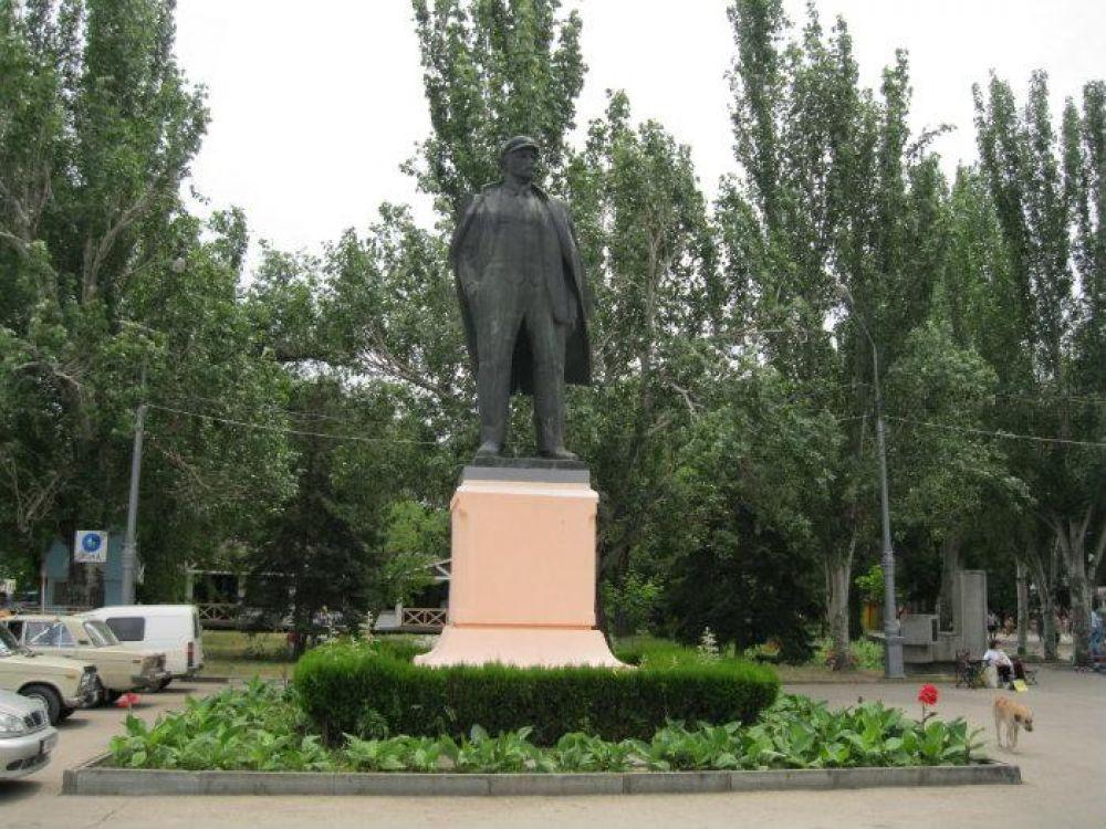 Феодосийские коммунисты выразили категорический протест идее переноса памятника Ленину