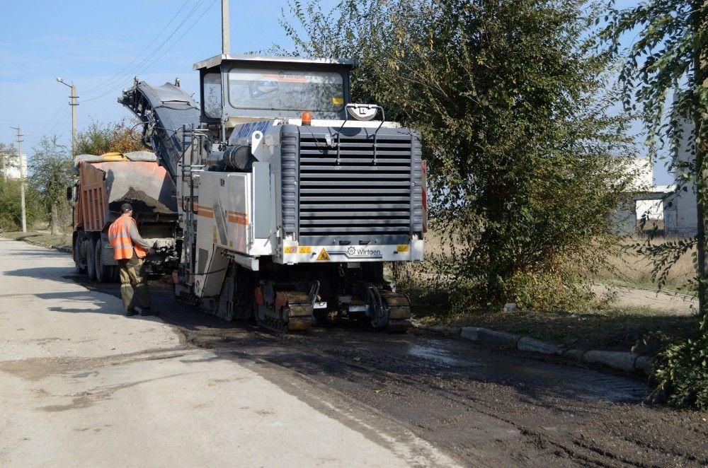В Феодосии до 30 ноября планируют завершить ремонт дорог