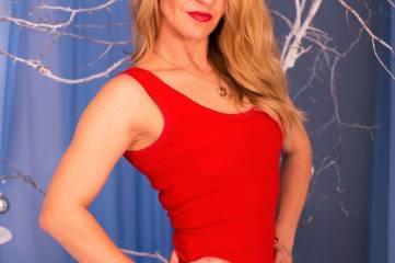 Юлия Гончаренко о красоте танца на пилоне, мотивации, маминых блинах и настоящих мужчинах