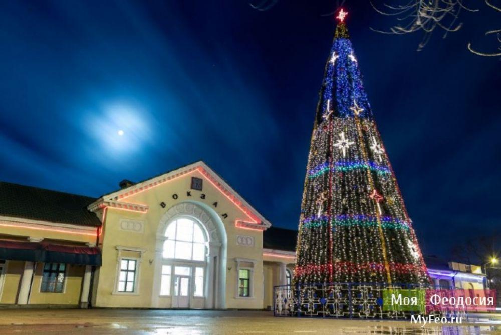 Скоро Феодосию начнут украшать к Новому году
