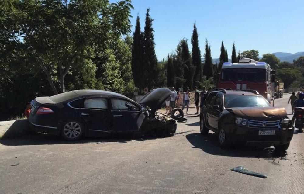 ДТП между Севастополем  и Балаклавой отправило в больницу несколько человек