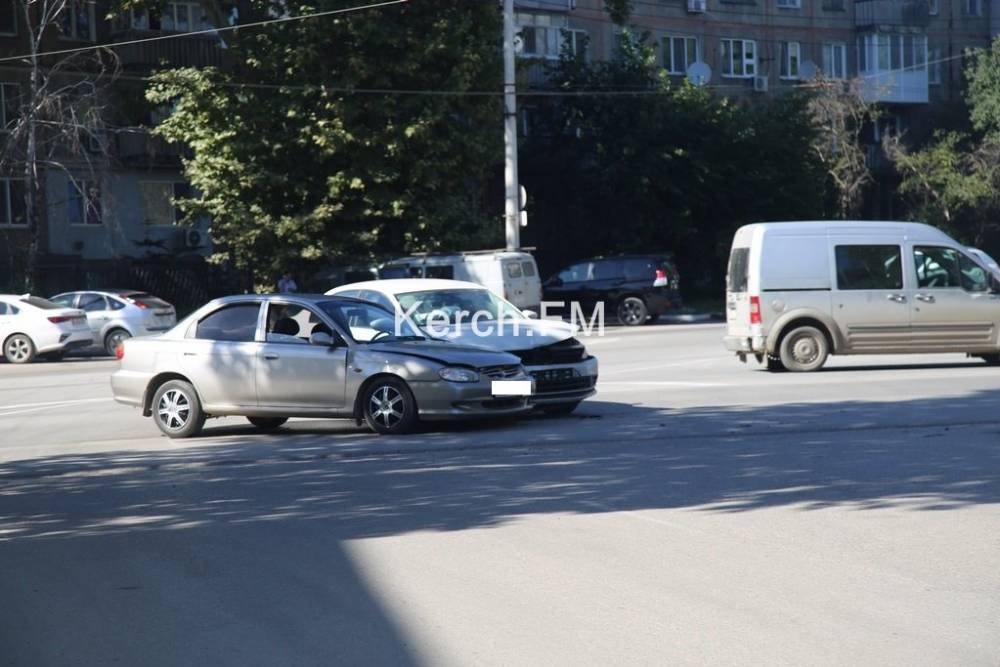 На Горького столкнулись «Volkswagen» и «Kia»
