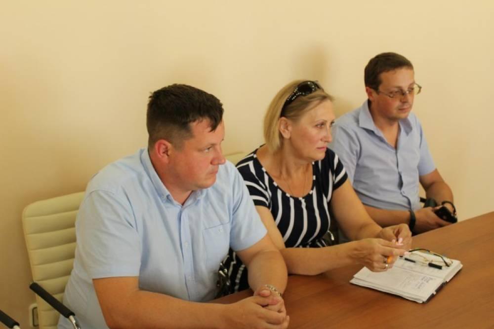 Сергей Махонин и Галина Перелович провели рабочую встречу по  вывозу мусора