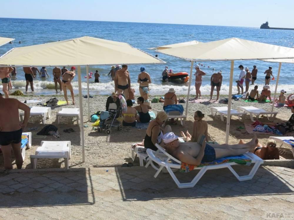 Пляж «Камешки» в Феодосии временно закрыт(фоторепортаж)