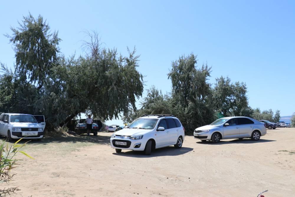 В Феодосии ловят тех, кто портит пляжи и берет за это деньги