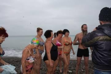 Феодосийские моржи официально открыли сезон