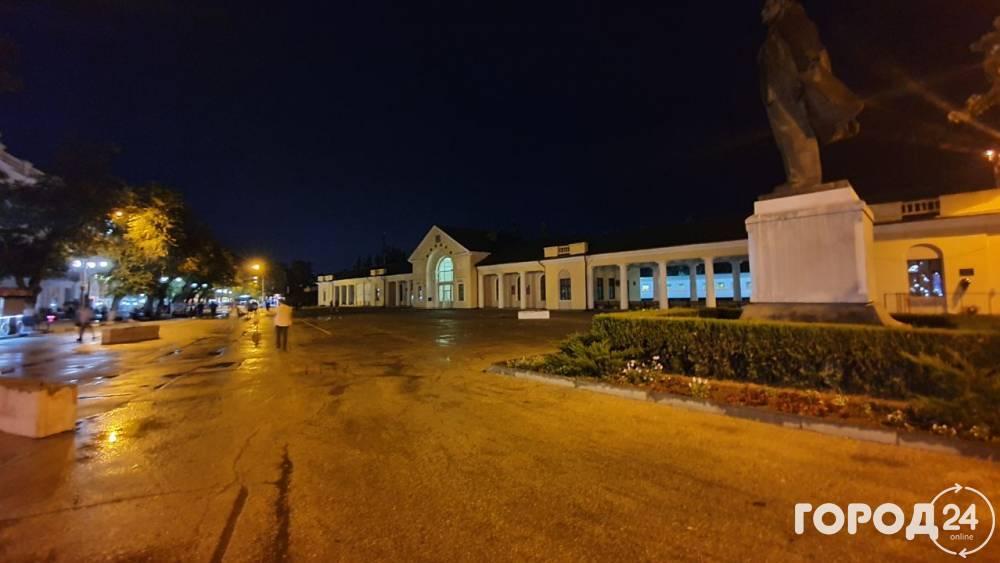 Вечер, дождик в Феодосии (Фото)