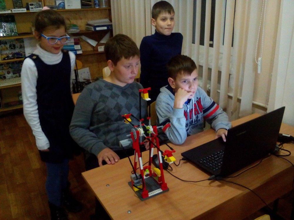 Юные феодосийцы делают первые шаги на пути служения Родине