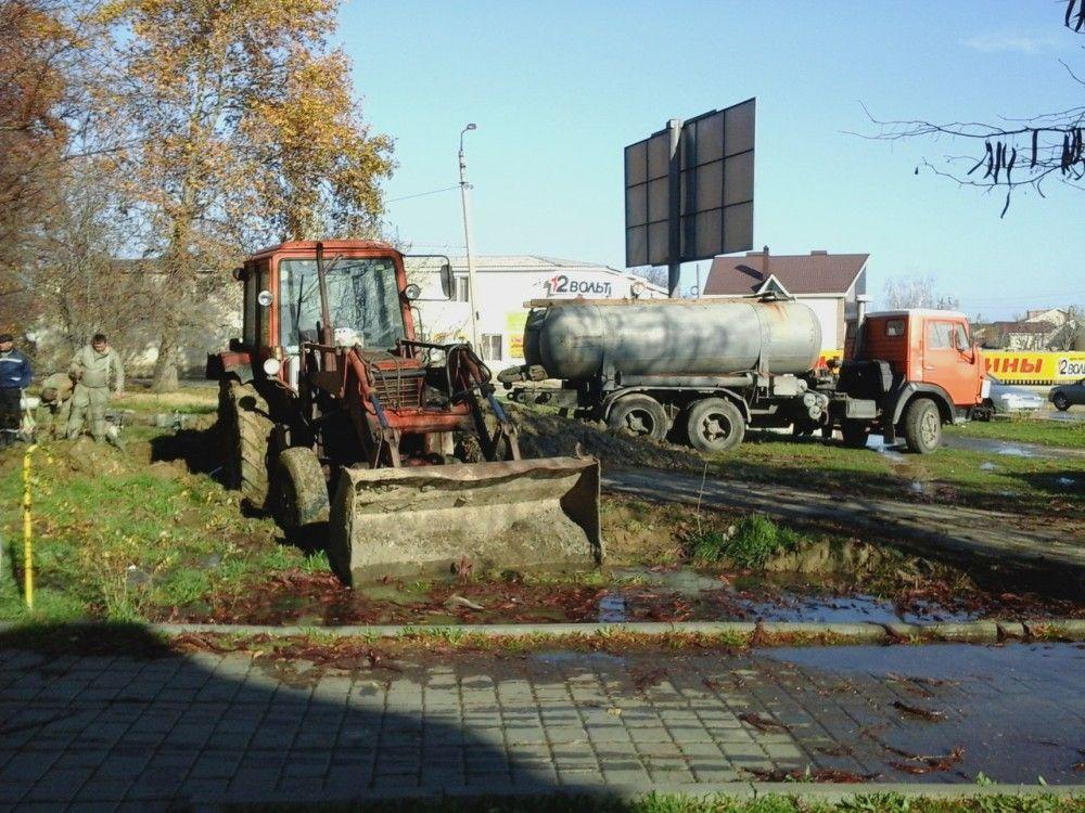 В Феодосии появилась новая техника для устранения аварий на водоводе